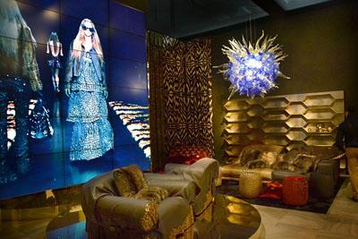 Роберто Кавалли стал дизайнером мебели